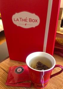 Thé tea box boite thevert noel rouge thenoir décembre compagnie coloniale