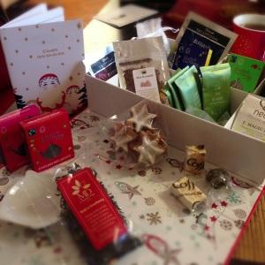 Thé tea box boite thevert noel rouge thenoir décembre contenu earl grey cannelle gateau
