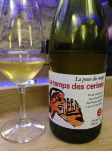 Agape cave degustation vin alcool mazarine odeon paris bouteille temps cerises rouge blanc