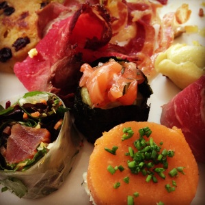 Cazaudehore brunch assiette manger restaurant saumon