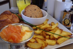 Brunch paris pere fouettard carte halles bacon saumon prix anglais
