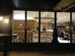 Restaurant chalet savoyard paris fromage charcuterie ski chalet cuisine regionale gastronomie française raclette fondue ledru rollin salle prix carte