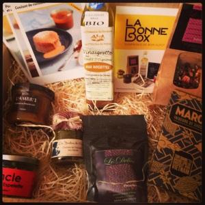 Labonne box bonne box gourmet surprises gout gourmandises chocolat produits huile caramel carton paille