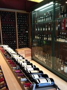 Maison des millesimes bordeaux paris vins vin rouge blanc grands crus saint germain saint emilion noel magnum bouteilles vitrines