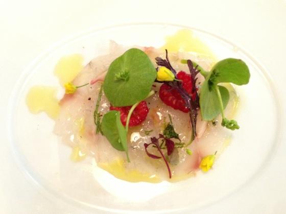 Abri labri restaurant paris japon japonais cuisine gastronomie menu plats entrée carpaccio surprise framboise chef