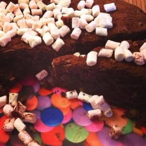 Gateau chocolat cacao brownie pistaches gouter recette facile gourmands morceaux