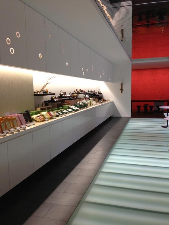Lupicia maison thé japon japonaise paris rue bonnaparte specialiste thés vert ouverture boutique dégustation architecte decor