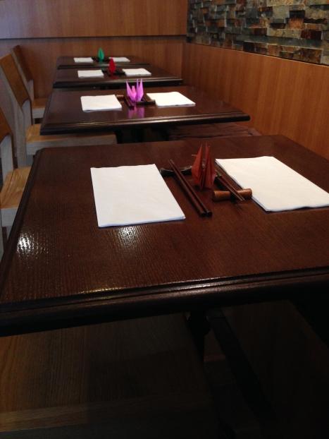 Kiku restaurant japonais menu entrée plat dessert japon paris richer origami grue salle