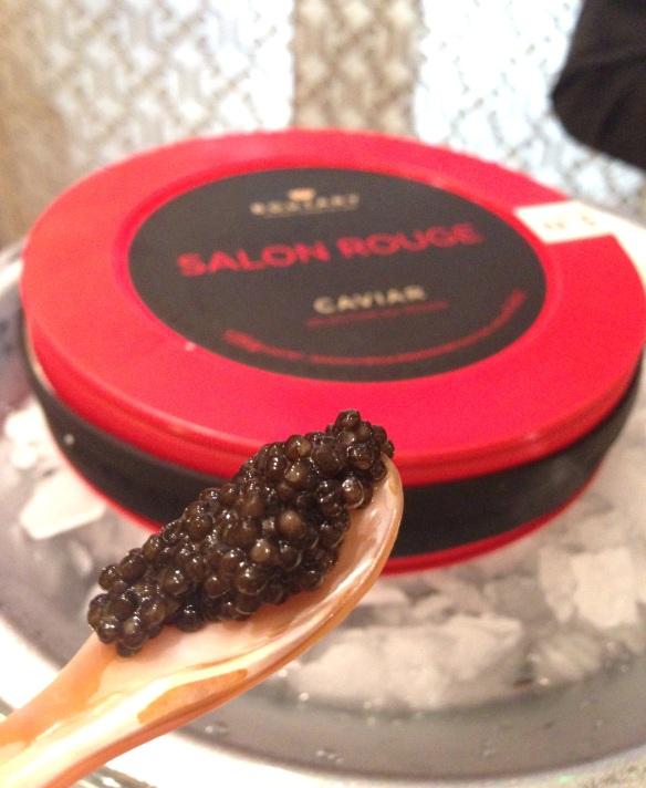 Maison boutary caviar francais france gironde luxe rituel chateau saint vincent salon rouge premier cru esturgeons oeufs rare clef