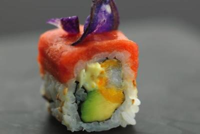 Box robuchon pour sushi shop sushis originaux creations yuzu homard ebi roll california spicy