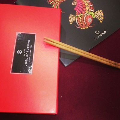 Box robuchon pour sushi shop sushis originaux creations yuzu homard ebi roll california