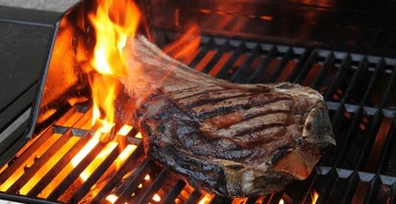 cote de boeuf au barbecue pour l'été